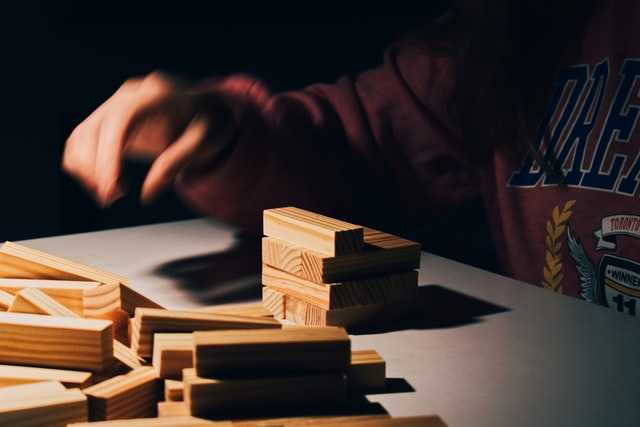 Make various structures with Unifix cubes